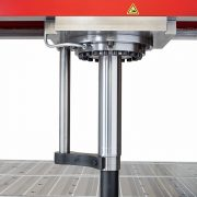 Detail Rollrahmenpresse BEN T 75 SRP mit verschiebbarem Presszylinder – Kolbenstange mit Verdrehsicherung